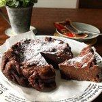 簡単美味!材料5つで完成の半熟ショコラケーキのレシピ!