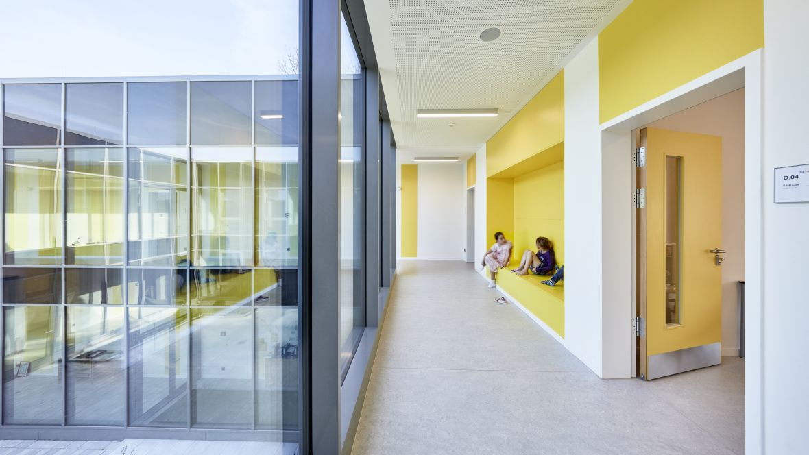 As schools focus on openness, flexibility and collaboration, they are redesigning classrooms to match. The room itself can be adapted in a flexible way to meet the needs of the teacher or the students. https://t.co/wnuWELjuok Photographer: Ulrich Hoppe, Hamburg https://t.co/DAIhsSvZHw