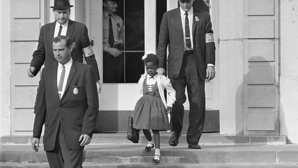 """Moved by each episode of Time to Walk on Fitness+! This week I'm walking with Ruby Bridges, who at age 6 helped desegregate her school and is now empowering kids. She reminds us of our shared responsibility to move this country forward. """"We should not ever be a hopeless people."""""""