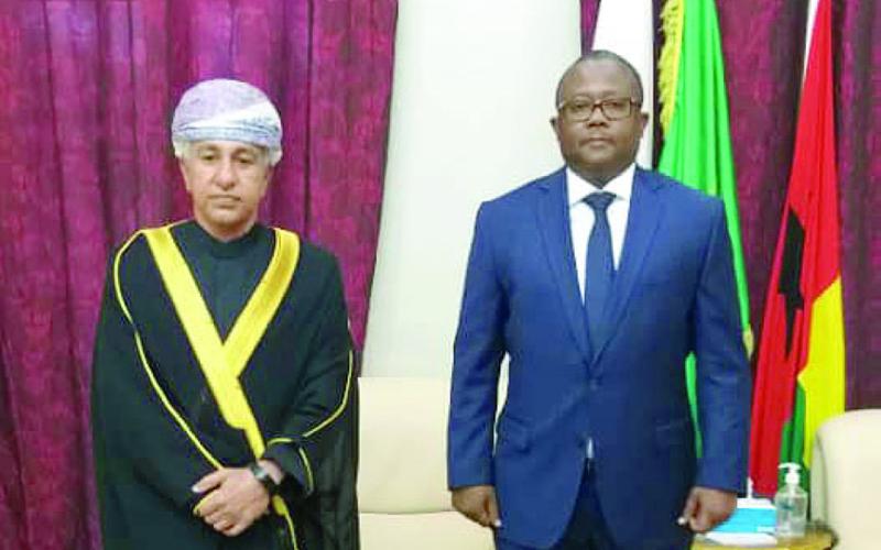 رئيس غينيا بيساو يتسلم اوراق اعتماد سفير السلطنة جريدة عمان