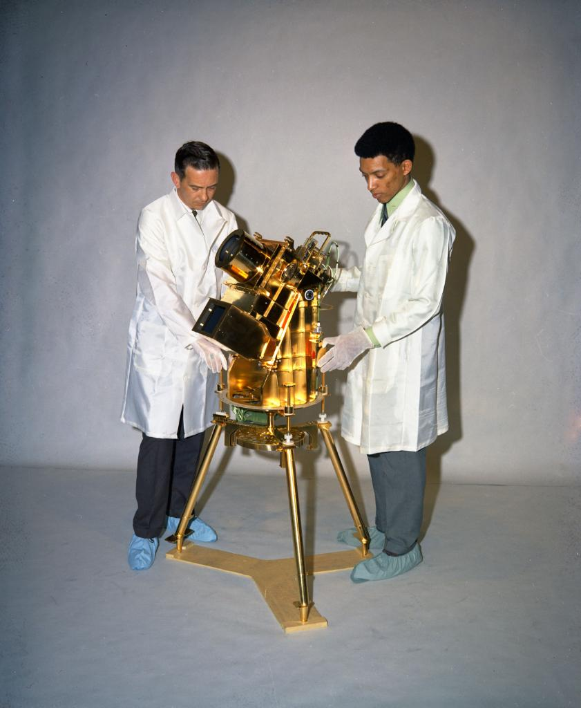 Dr. George Carruthers invented the first Moon-based observatory, a far-ultraviolet camera/spectrograph that revealed Earth's upper atmosphere like never before. Read more about Carruthers work in space science: go.nasa.gov/3a5tBTR #BlackHistoryMonth