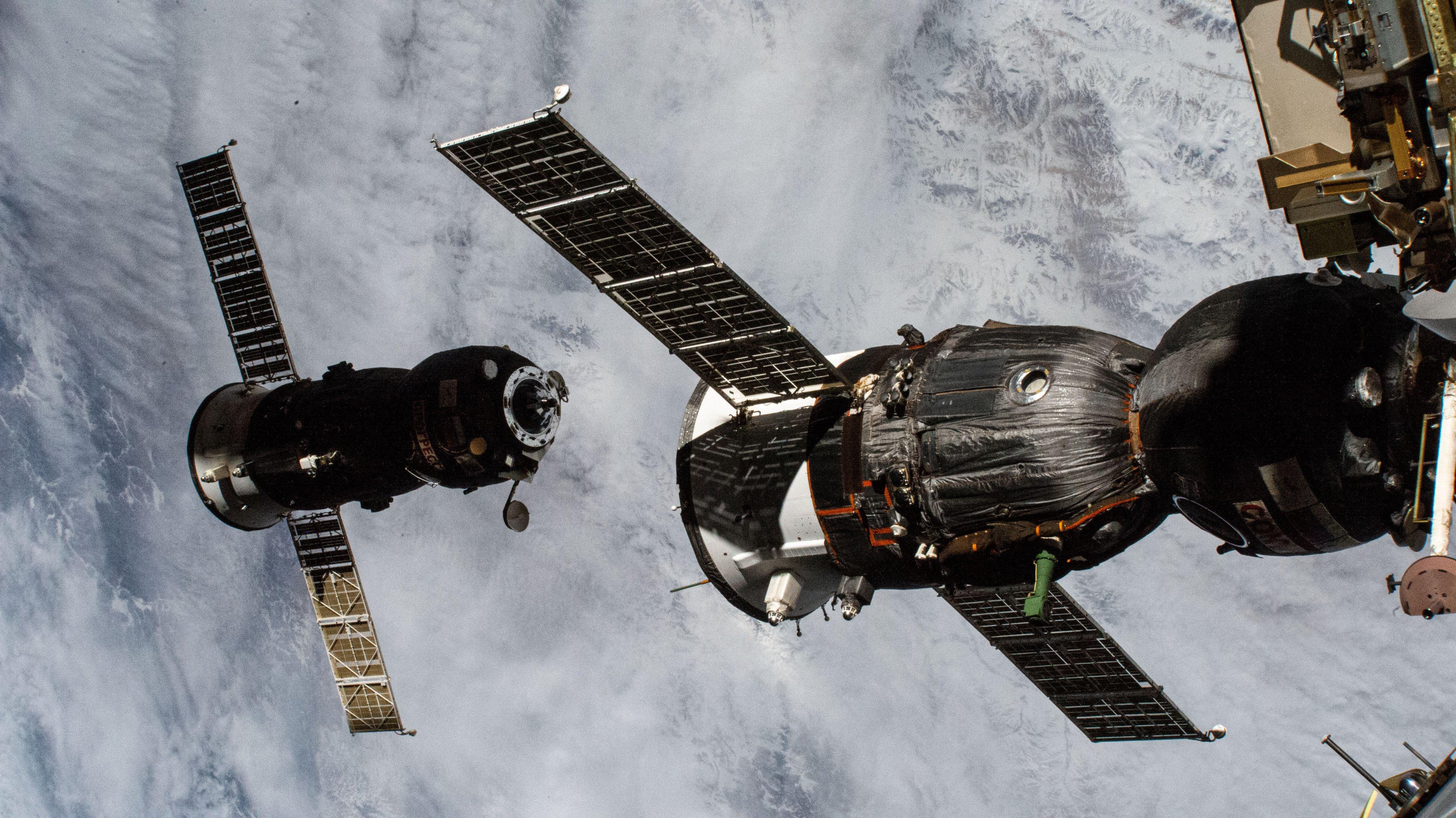 отстыковка МС-15 фото от НАСА