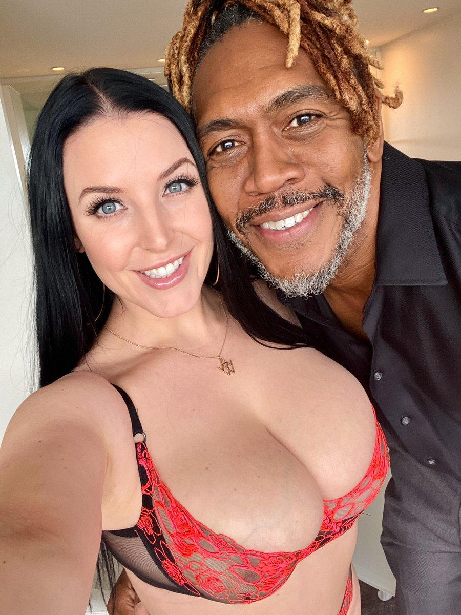 You can tell how happy I am to have @DreddXXX inside me again 🥰 This incredible scene is coming soon to our OnlyFans 😈
