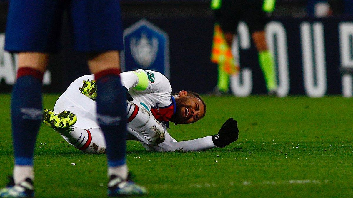 Dính chấn thương, Neymar nguy cơ lỡ trận Barcelona
