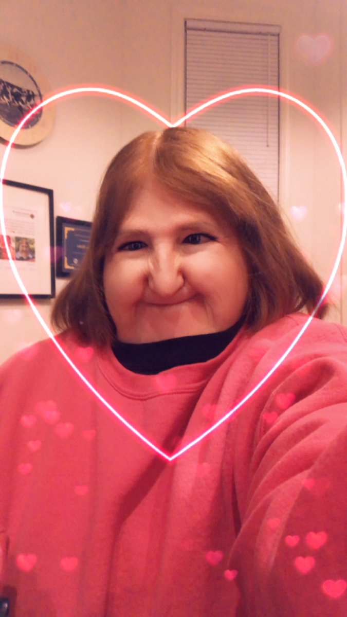 So...who wants to be my Valentine this year?? Currently accepting applications and those who are funny, sweet, kind and love a good '80s power ballad are encouraged to apply!! #MyBestSelfie 💖💘💓💌💋