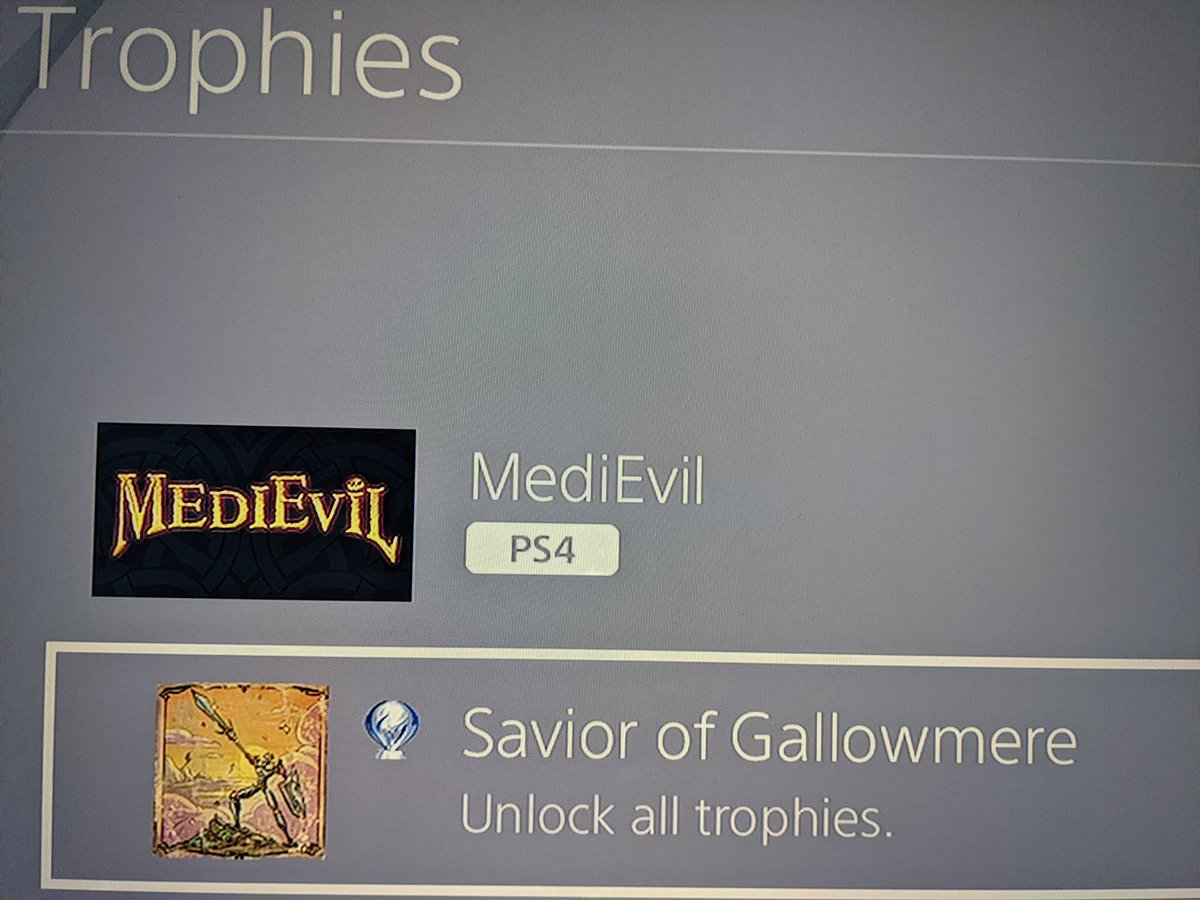 First Platinum of 2021! Wasn't a hard one, but damn do I love this goofy game. A honest remaster, keeping the soul of the original while adding a few new twists~ #platinumtrophy #platinumrush