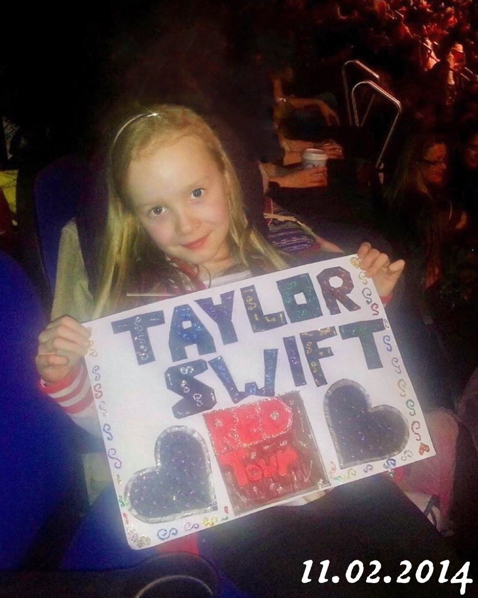 @taylorswift13 'Cause we were both young when I first saw you. 💛💛  Today marks seven years since I saw Taylor for the first time on the Red tour in London. 2014:                                  2021: