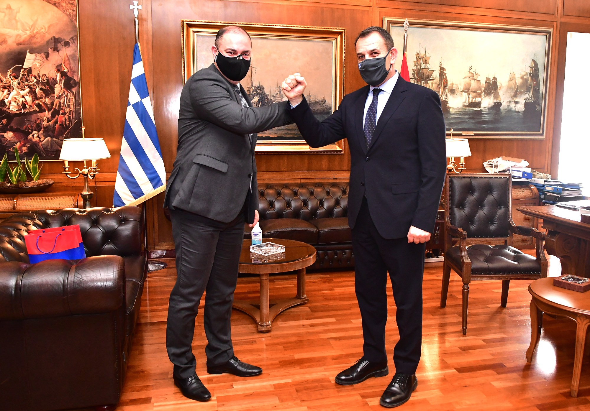 Nikos Panagiotopoulos with Fadey Charchoghlyan.