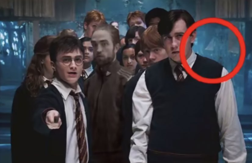 Replying to @tinkerbeckss: the harry potter movies were so slick with the little details