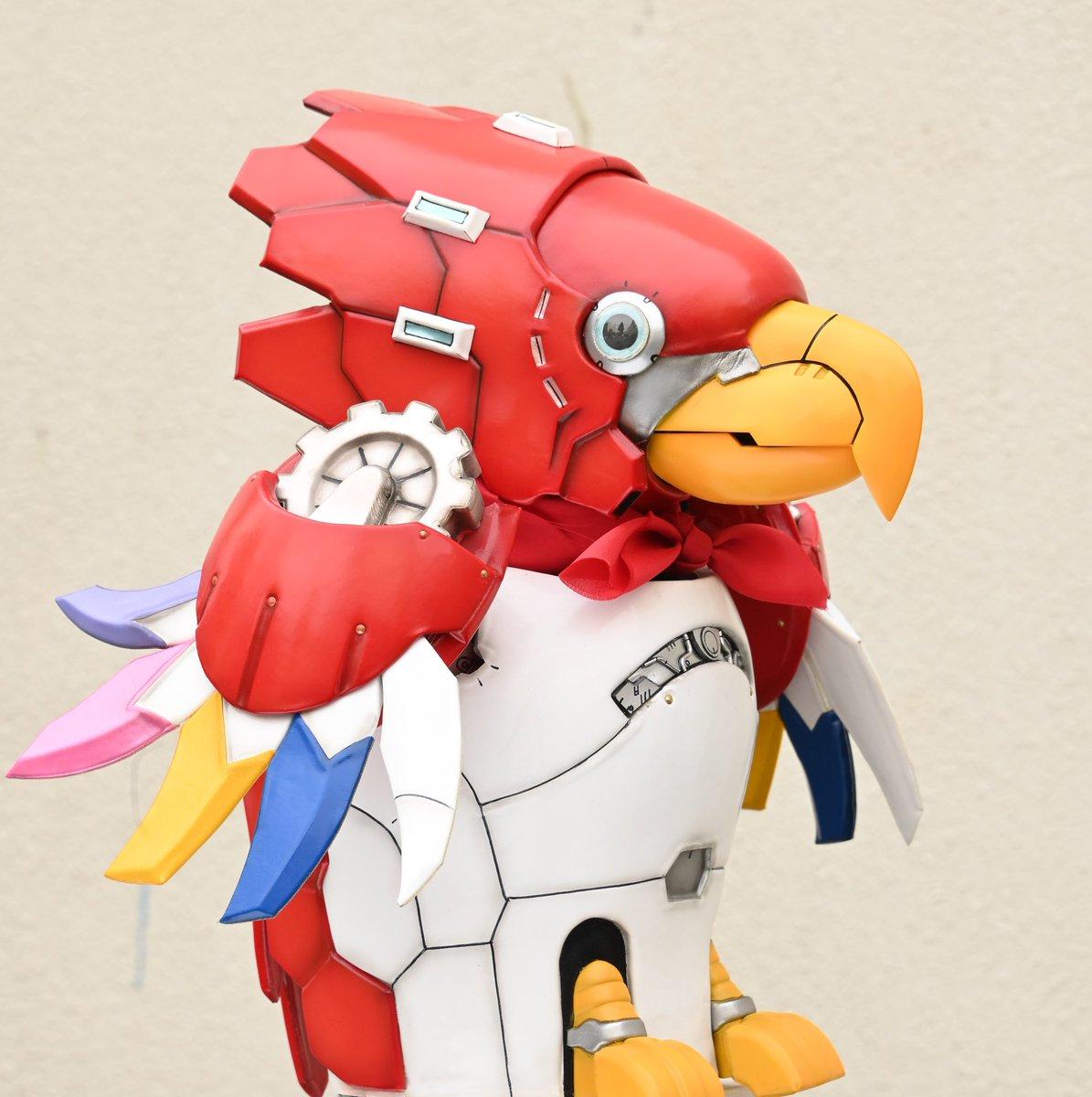 ⠀ 45/ ⠀  ⠀/ (○ V○) キャスト公カーイ!  #ゼンカイジャー の5人を支える鳥型ロボット「セッちゃん」!! その声を #福圓美里 さんが演じてくれるカーイ!🦜⚙  介人が子どもの頃に、お父さんとお母さんが作ってくれたセッちゃんは、みんなの大事な友達なんだカーイ! ⚙🦖🦁🔮⛏  チュン!!/