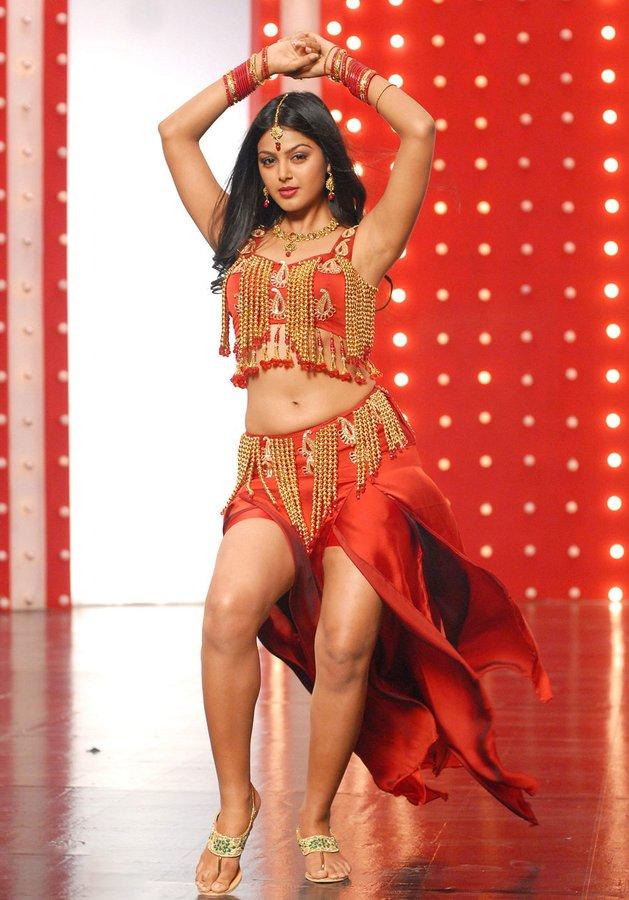 mahesh, super star, superstar mahesh, sarkaruvaari paata, mahesh 27th movie, parasuram, director parasuram, mahesh and parasuram, keerthy suresh, mahesh and keerthy suresh movie, monal gajjar special song, monal gajjar item song, Bigg boss beauty monal gajjar, monal gajjar replaces urvashi rautela, సూపర్స్టార్ మహేశ్, సర్కారువారి పాట, మోనాల్ గజ్జర్ ఐటెమ్ సాంగ్,