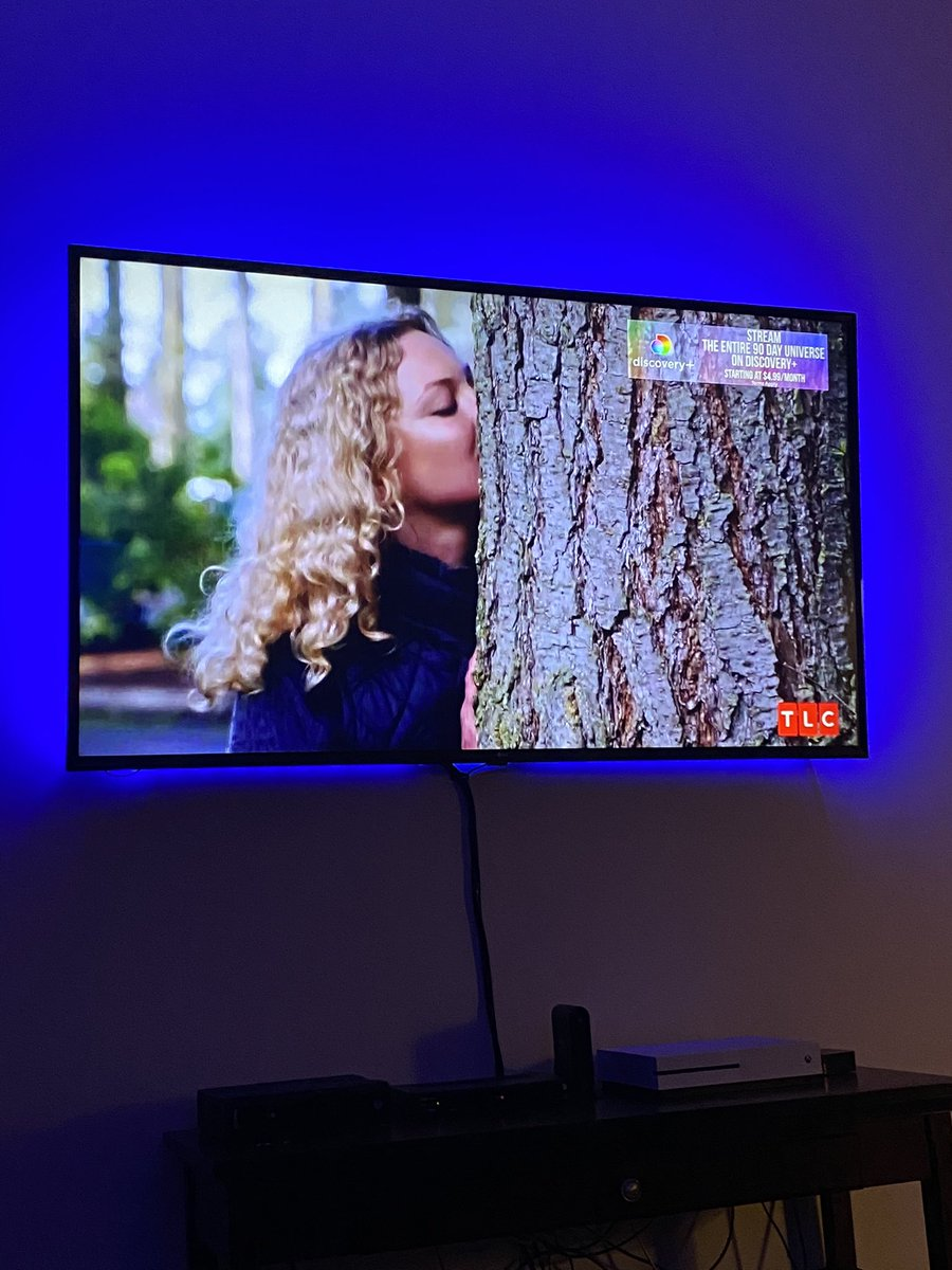 """@90DayFiance #MikeAndNatalie """"I hate the forest but I will make out and hug a tree"""""""