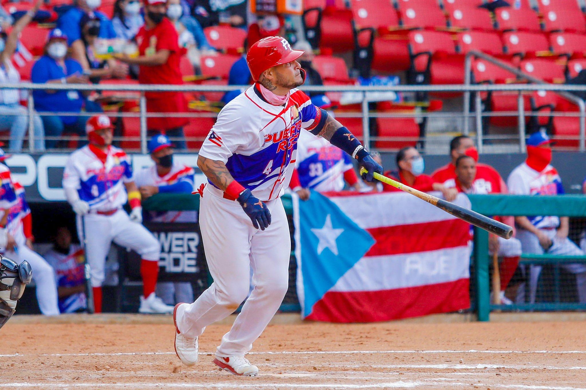 Yadier Molina dejó en claro sus años en la gran carpa y lideró la victoria de Puerto Rico sobre Venezuela.