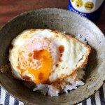 簡単に作れるから朝食にもぴったり!シンプルなのに美味しい目玉焼き丼の作り方!