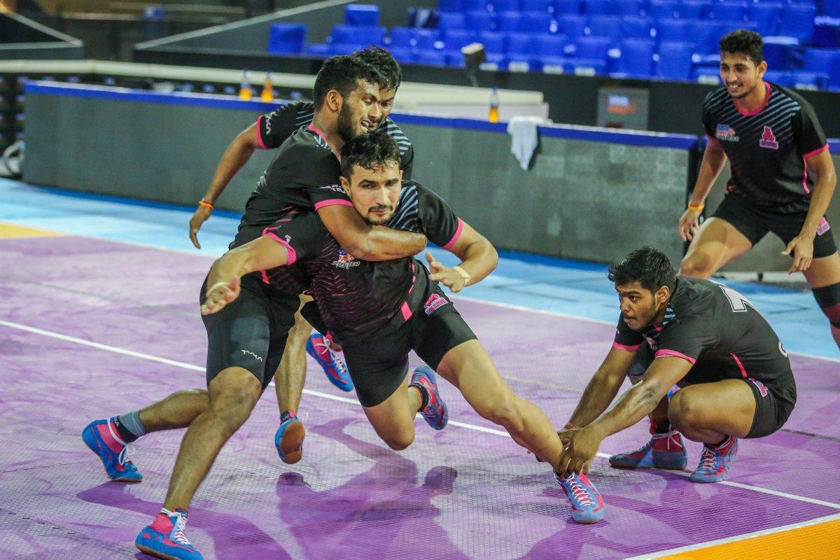 The best teamwork comes from men who are working independently toward one goal in unison.  #PantherSquad #JaiHanuman #TopCats #JaipurPinkPanthers #JPP #Jaipur #vivoprokabaddi