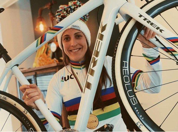 EtNQifBXEAAmbZP?format=jpg&name=small - 10 grandes protagonistas del ciclocross 2020-21