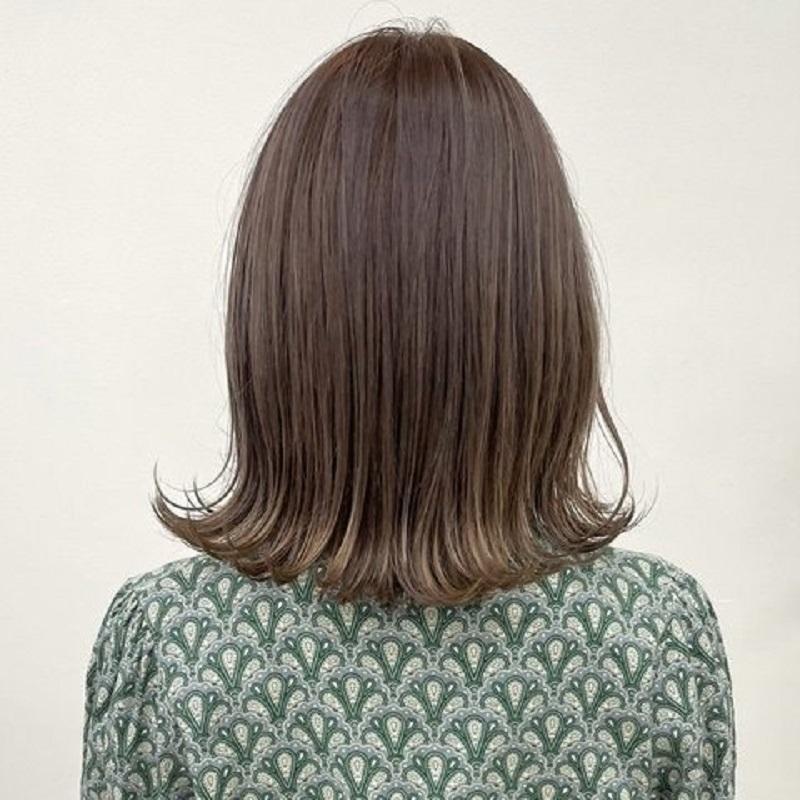\今っぽ可愛いが作れる/【外ハネ】スタイル特集人気の外ハネを集めたよ!簡単に抜け感がでて、暗髪でも垢抜けて見えるの💎不器用さんはパーマをかけるのも◎🔸スタイリングが楽ちん🔸時短で可愛く🔸毎日のコテより髪への負担が少ないなどメリットたくさんなんです♡