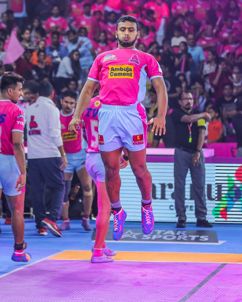 Sometimes there are no words to help one's courage. Sometimes you just have to jump.  #PantherSquad #JaiHanuman #TopCats #JaipurPinkPanthers #JPP #Jaipur #vivoprokabaddi