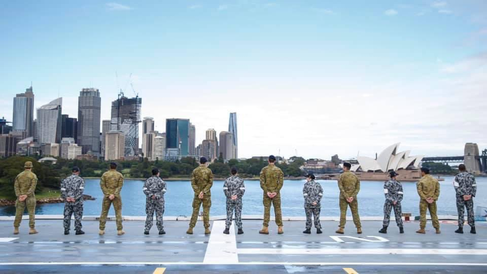 Welcome home! 🛳 Following the devastation caused by #TCYasa in Fiji, Aust. responded quickly to the request for assistance from our Fijian Vuvale. 🇦🇺🇫🇯 More than 600 #YourADF personnel boarded HMAS Adelaide on Christmas Eve to work side-by-side with the @Rfmf_Media.