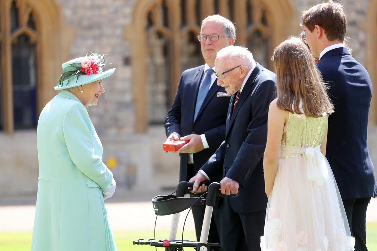 The Queen is sending a private message of condolence to the family of Captain Sir Tom Moore.   Her Majesty very much enjoyed meeting Captain Sir Tom and his family at Windsor last year. Her thoughts and those of the Royal Family are with them.