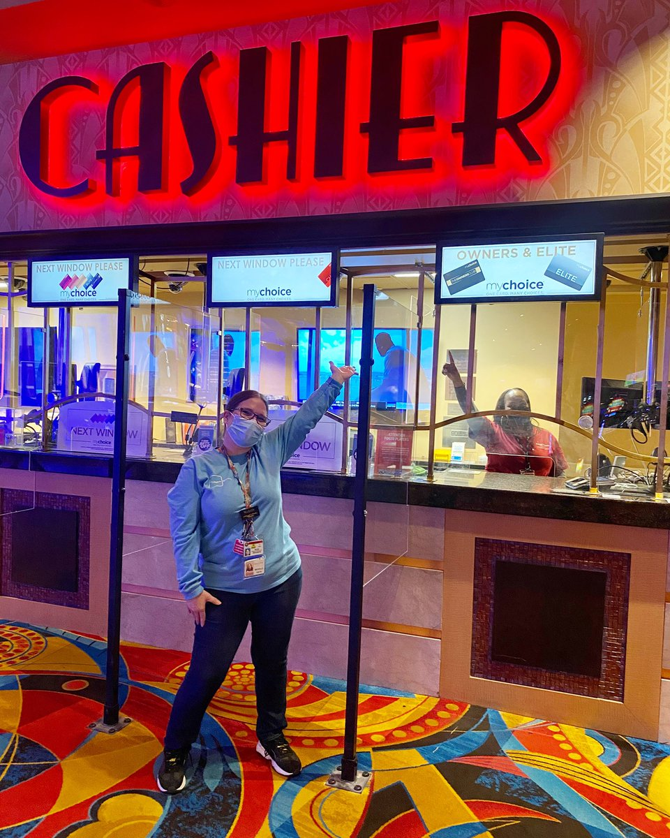 hollywood casino cage cashier
