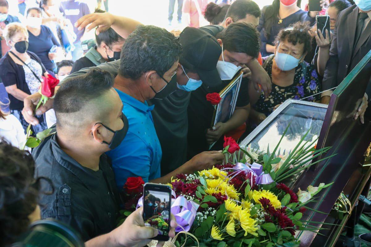 Despiden a Gloria Isabel del Cid, militante del FMLN asesinada