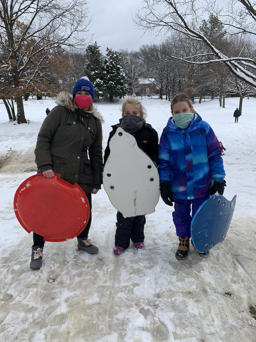 What lunch breaks are for!!! Hit the slopes with <a target='_blank' href='http://twitter.com/MsZelasko_APS'>@MsZelasko_APS</a> for some fun runs! <a target='_blank' href='https://t.co/ApsGPDFUYI'>https://t.co/ApsGPDFUYI</a>