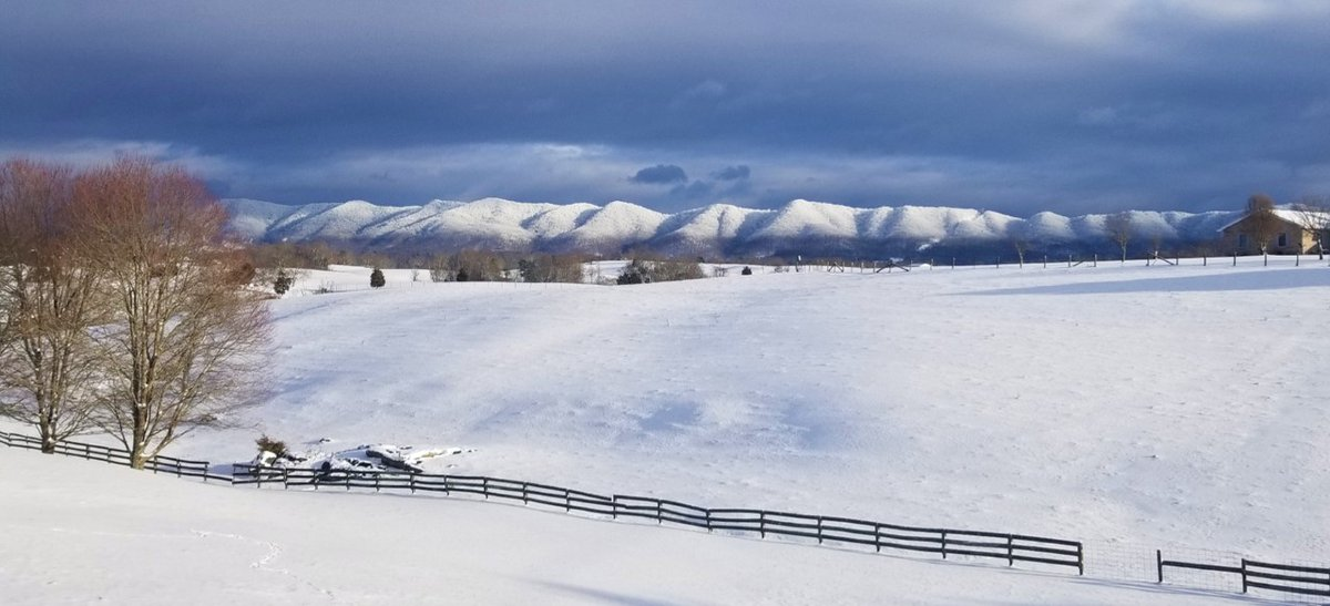 Check out this gorgeous view in Jonesborough! Send in your weather photos to pix@wjhl.com . . 📸: Trea Adams https://t.co/pW2IdTThhV