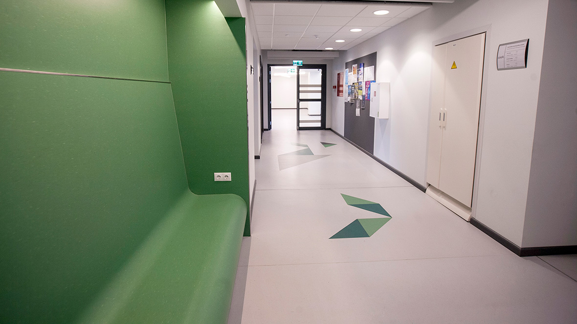 Many educational establishments worldwide are using Forbo floor coverings. From nurseries and primary schools to universities. Visit our reference section and get inspired by worldwide reference project in educational environments. https://t.co/quVS3rZNzu https://t.co/I7jS2NYzCp