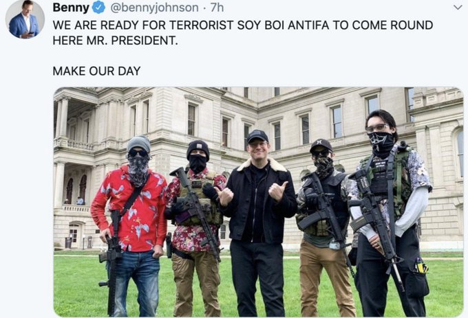 Replying to @SocialistBoomer: @bennyjohnson that's the capitol, dum fuq  this is you with the proud boys/boogaloo boys:
