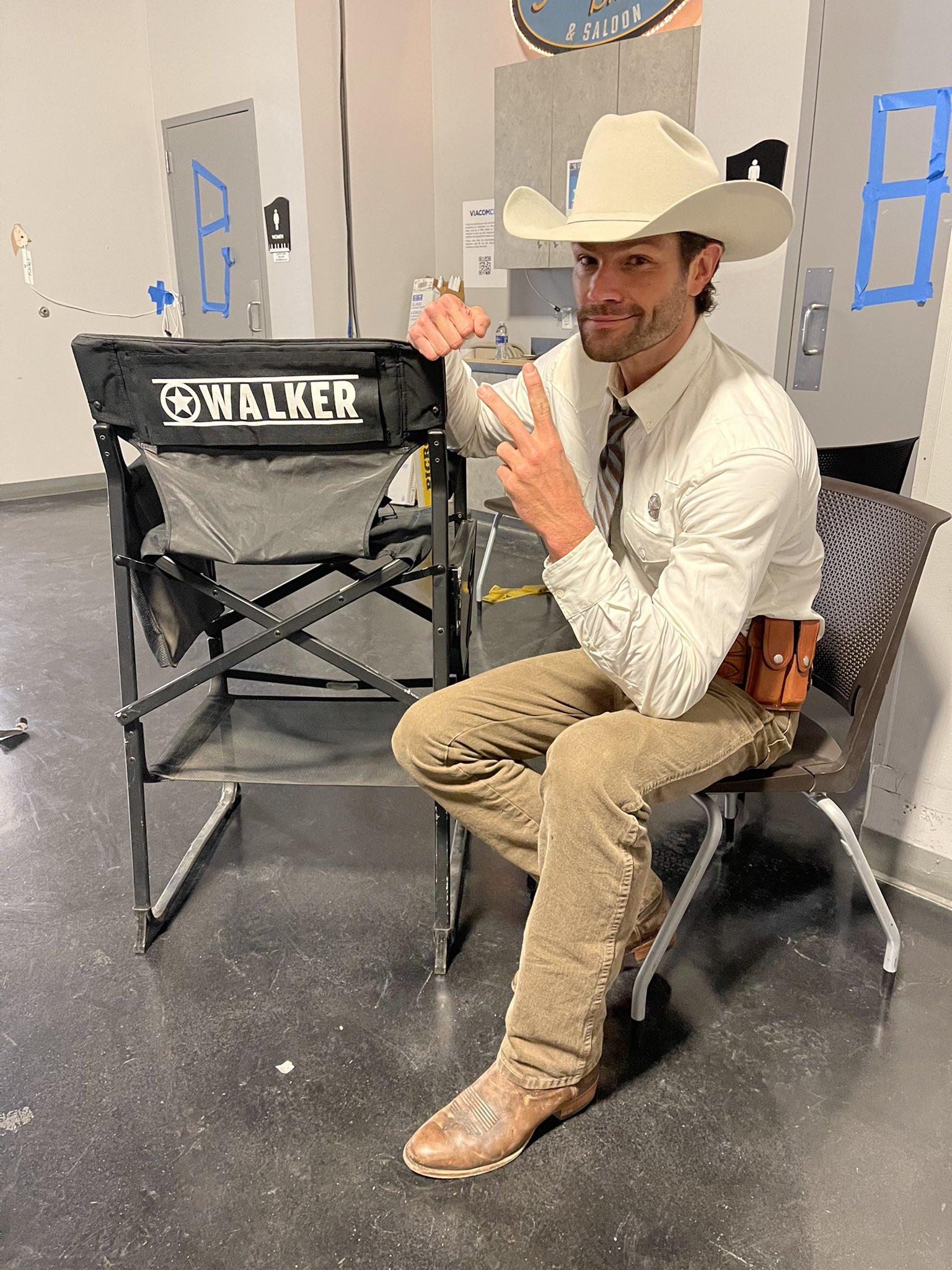 Walker est renouvelée pour une Saison 2!!!  EtVmQSTXYAAILVc?format=jpg&name=large