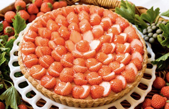 2月22日〜2月28日まで「キル フェ ボン」では、苺をたっぷりと使用したタルト9種が揃う「2021 ベリーストロベリー」が開催されます✨