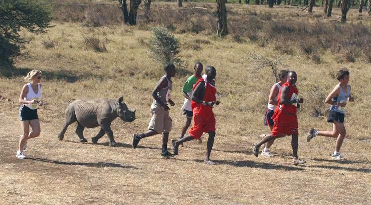 ケニアのマラソン大会の写真おもしろ