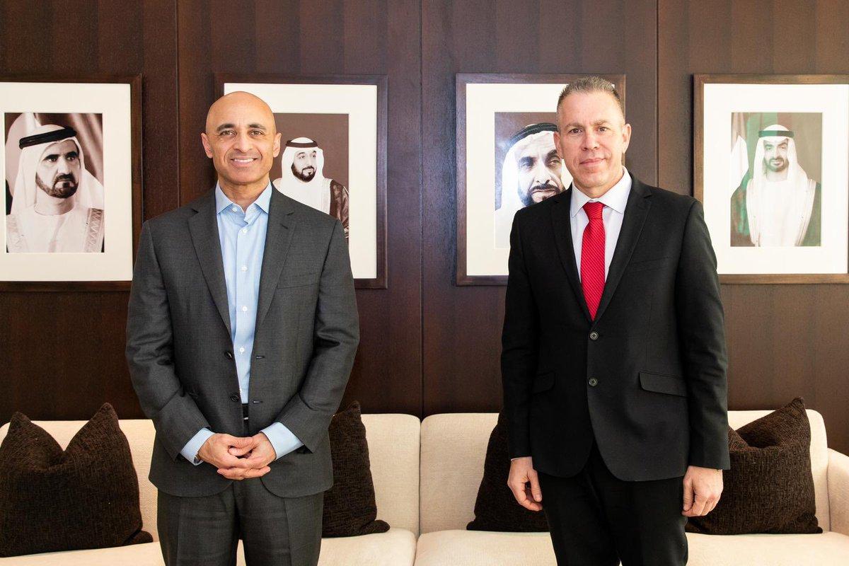 إسرائيل تغرد : لقاء آخر جمع السفير الاماراتي #يوسف_العتيبة لدى #الولايات_المتحدة بالسفير الاسرائيلي لدى الامم المتح…