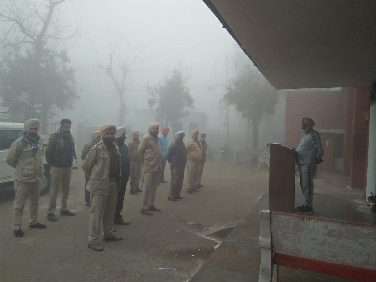Morning #rollcall is method to assign tasks & check preparedness of force for any emergent situation. It's not only ensure punctuality & increase performance but also help in maintaining #descipline ! @TarnTaranPolice has restarted the #tradition on ground! @PunjabPoliceInd
