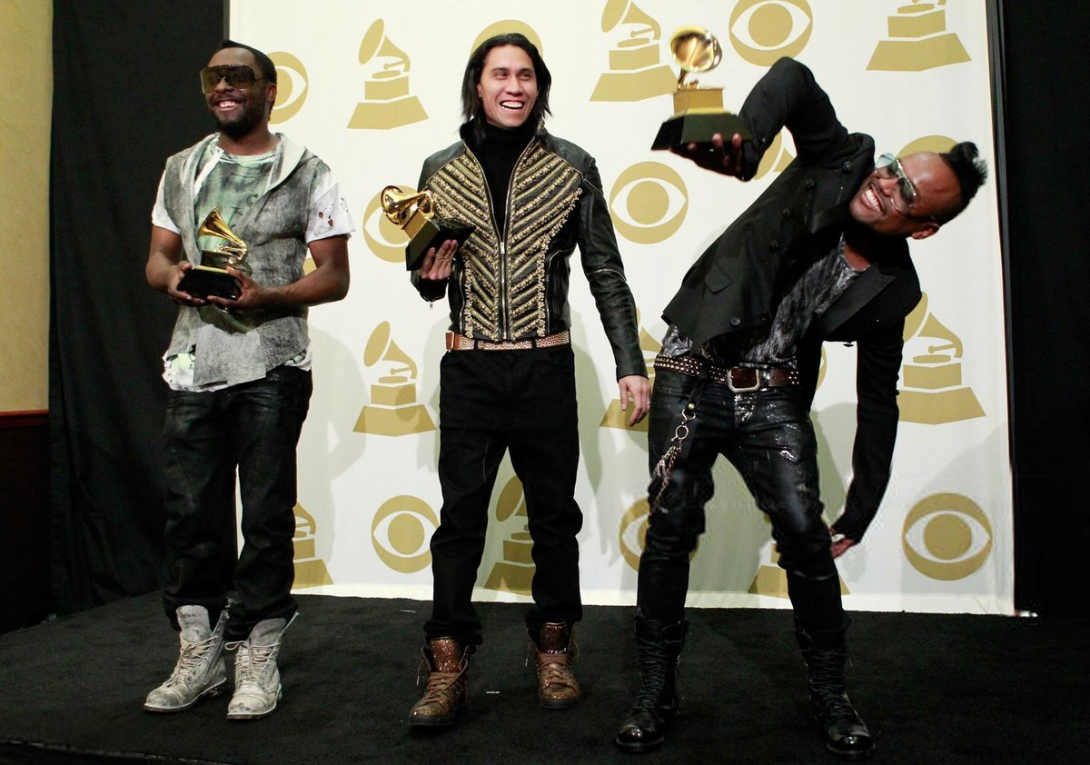 What we're gonna do right here is go back… to the 2010 @RecordingAcad Grammy Awards where we had SIX nominations and won Best Music Video, Best Pop Vocal Album, AND Best Pop Group Performance!! 🤩🎉✨ #TBT  Thanks @bepnation!