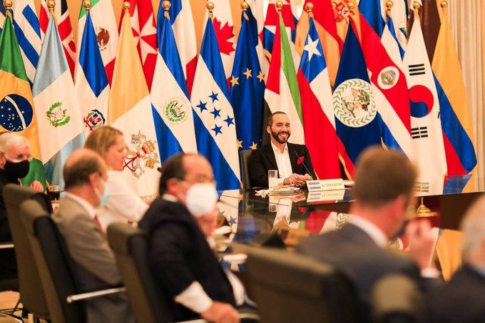 Dirigencia del FMLN critica utilización del cuerpo diplomático por Bukele