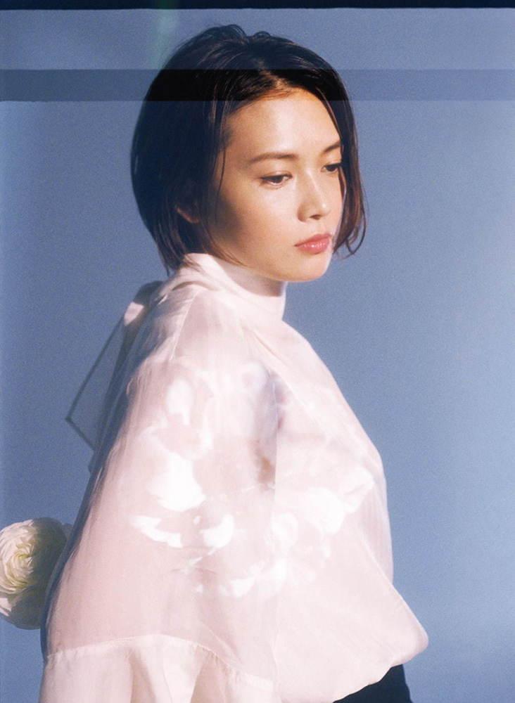 YUIのセルフカバーアルバム『NATURAL』「CHE.R.RY」など人気6曲を収録 -