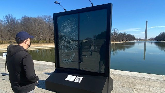 I had to see for myself this new art installation honoring @VP Kamala Harris. It's incredible. #glassceilingbreaker