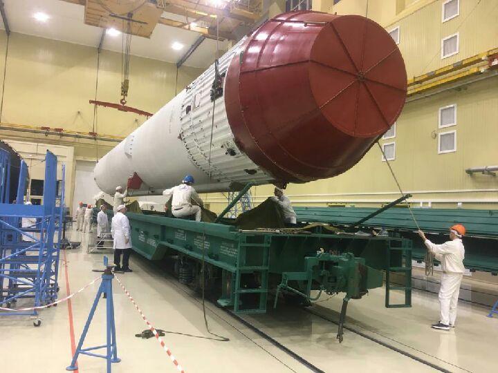 погрузка универсального ракетного модуля на жд платформу