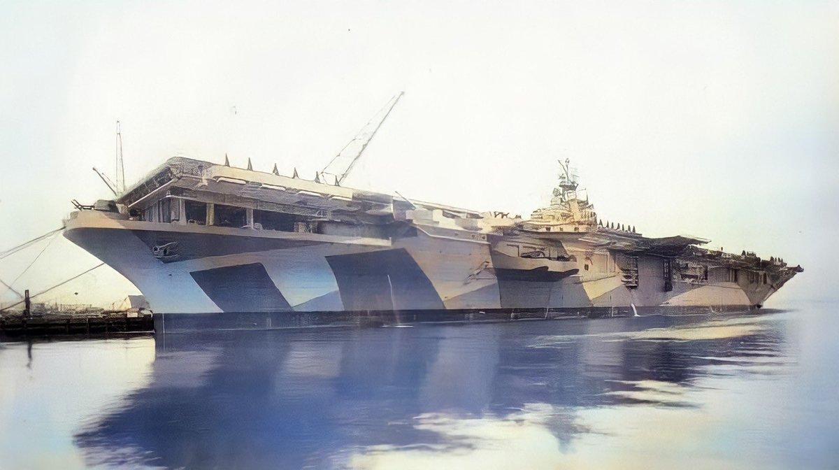 """#今日は何の日今から77年前(1944年 昭和19年)に""""タイコンデロガ""""(CV-14)が進水しました。 1944年10月~11月の間,第一線の設計者(エド・ハイネマン)に前線を見学させ,指揮官・パイロット・整備員などの意見を聞き,ここで得た情報は""""A-1 スカイレイダー""""などの空母艦載機の開発に大きく貢献しました。"""