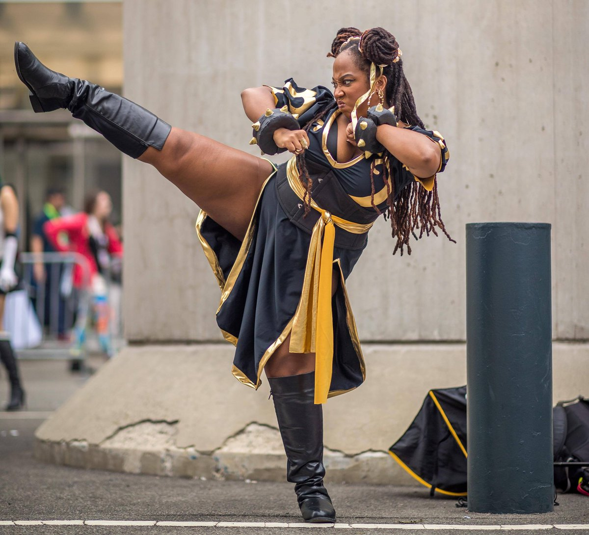 Day 25 of #28DaysofBlackCosplay is @sailorxtasy as Chun-Li from Street Fighter! Please go and support her! She's wonderful!