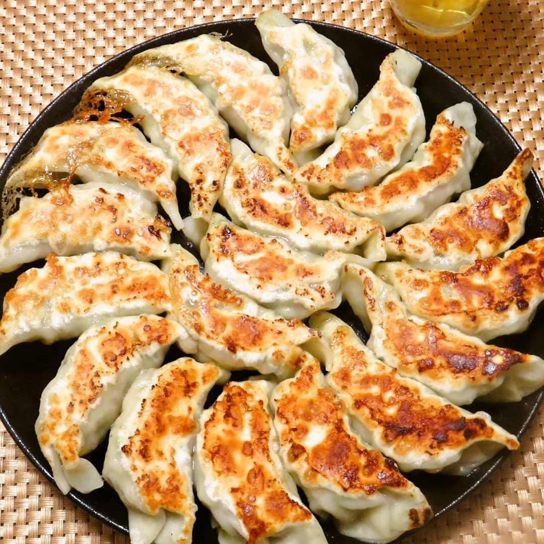 クックパッドで公開している私のレシピをご紹介♪☺簡単手作り♪にんにくなしのエビ豚餃子☺ by hirokoh#料理好きな人と繋がりたい#Twitter家庭料理部#お腹ペコリン部#おうちごはん#YouTube#hirokohのおだいどこ#クックパッド #cookpad#おうち飲み #おうち居酒屋