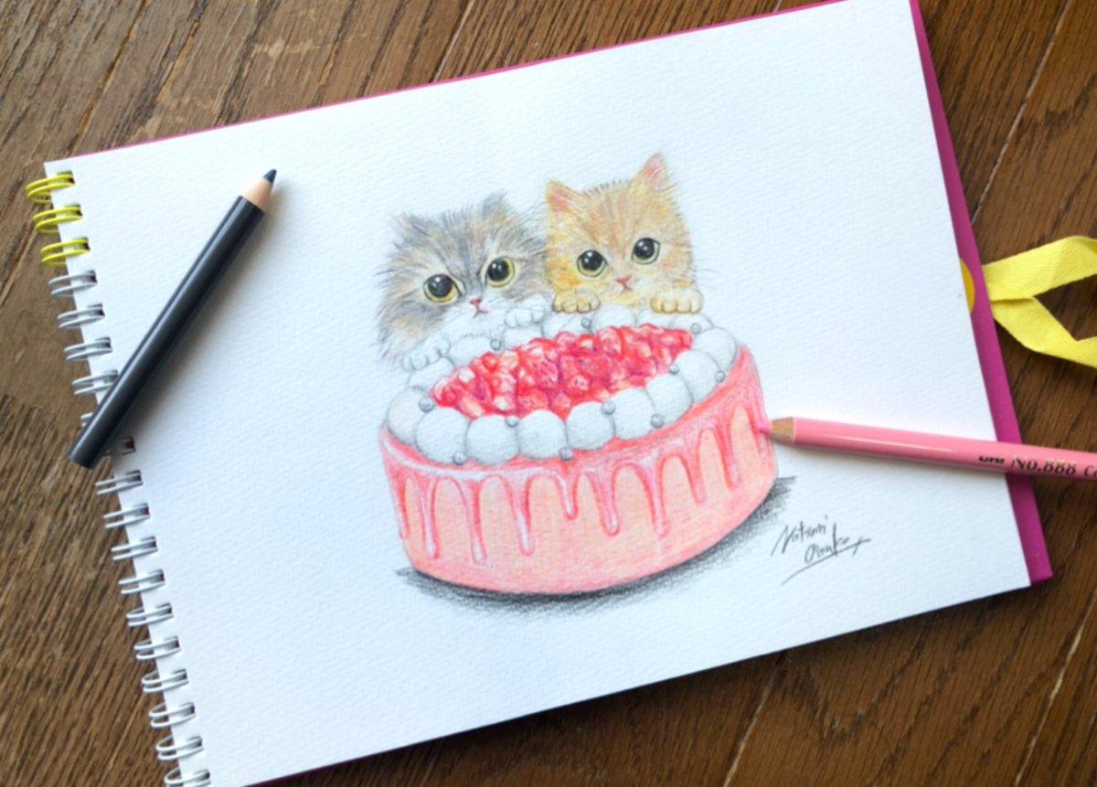 みなさんこんにちは🍓本日もリクエストでの猫スウィーツイラストです🌟今回は chicohoippu 様(インスタ垢)の猫ちゃん×いちごクリームケーキを描いてみました🍓いちごクリームの可愛らしいホールケーキです🎀#猫 #猫イラスト  #猫スウィーツ #猫好き #イラスト #色鉛筆イラスト