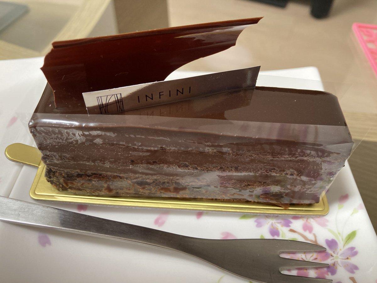 アンフィニ✨九品仏駅近く。マールはマツコの知らない世界で紹介されててブランデー強めな大人チョコケーキ🍰ほうじ茶モンブランは優しいお味でこちらも美味しかったです🌰 #ケーキ #アンフィニ