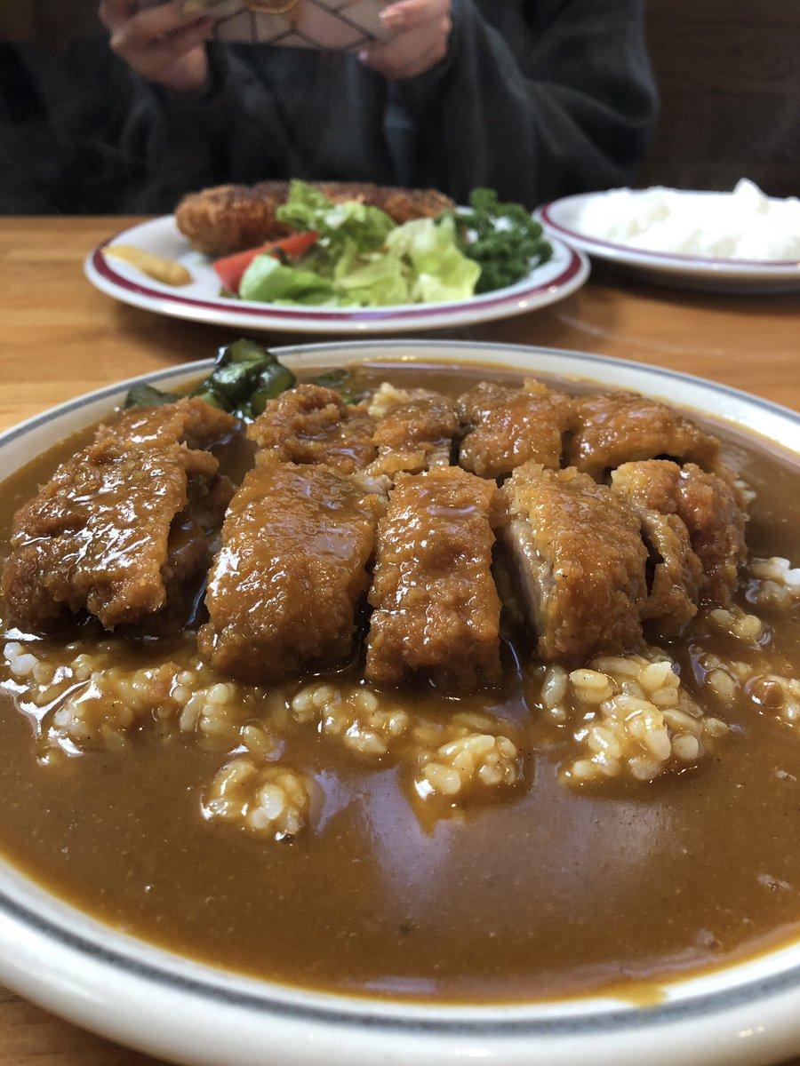 街の洋食屋さんで当たりを引いた✌️二子玉川に店を構えて創業40数年のリヴィエールさん全体的に優しい味でした美味。おっぱい。