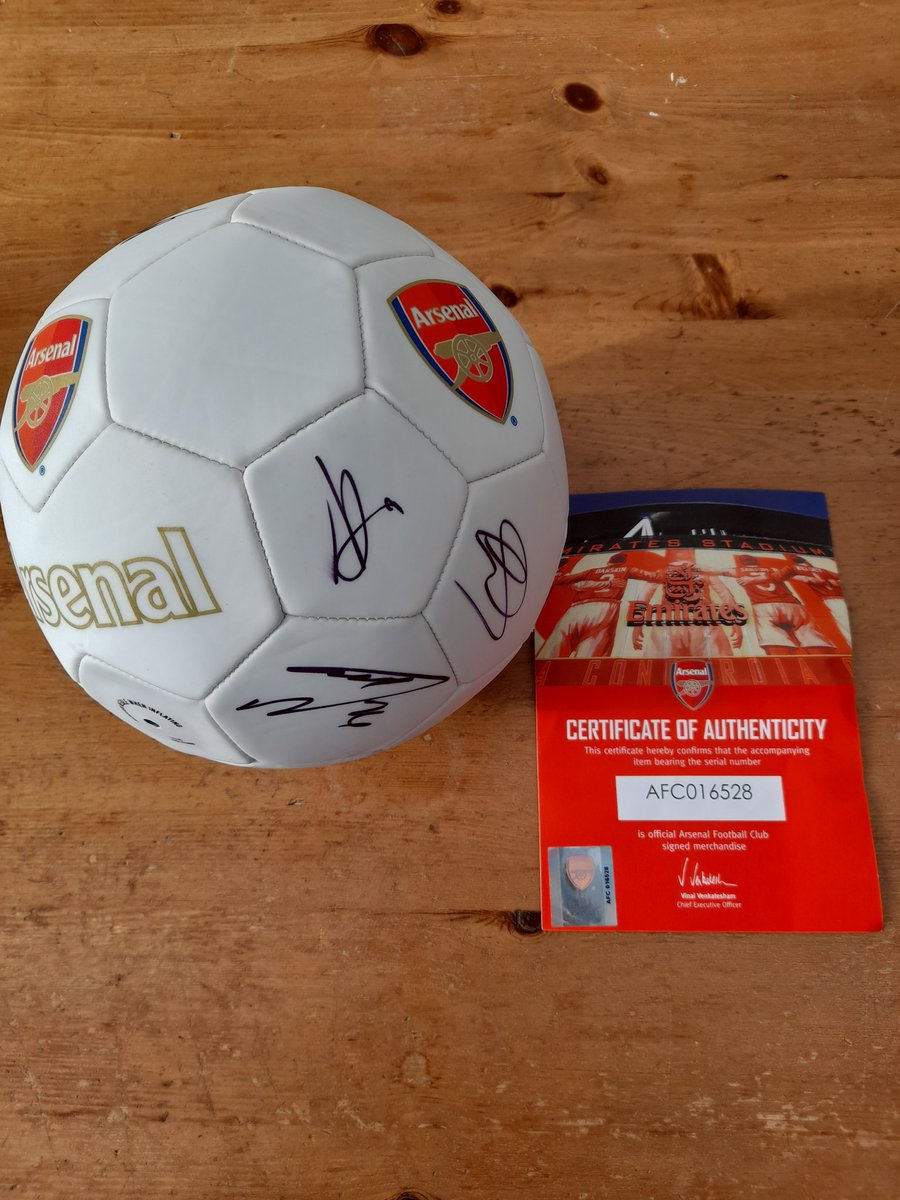 @AFTVMedia Hi guys..wonder if you can help..We have a Giant Easter raffle and wondered if you can help with a signed ball we have been given..we want to do an auction for this in aid of @joinourboys which is a great cause when you read their story..Thanks in advance 💙