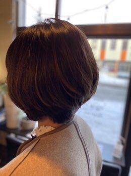 ショート人気は継続中です!コートや巻物との相性も良くオススメですよ!画像は野幌本店でばっさりスタイルチェンジしたお客様。毛流れもキレイでお似合いです☺️詳しくは↓#札幌#江別#野幌#美容室#ショートヘア#ショート女子#オススメ#美容院