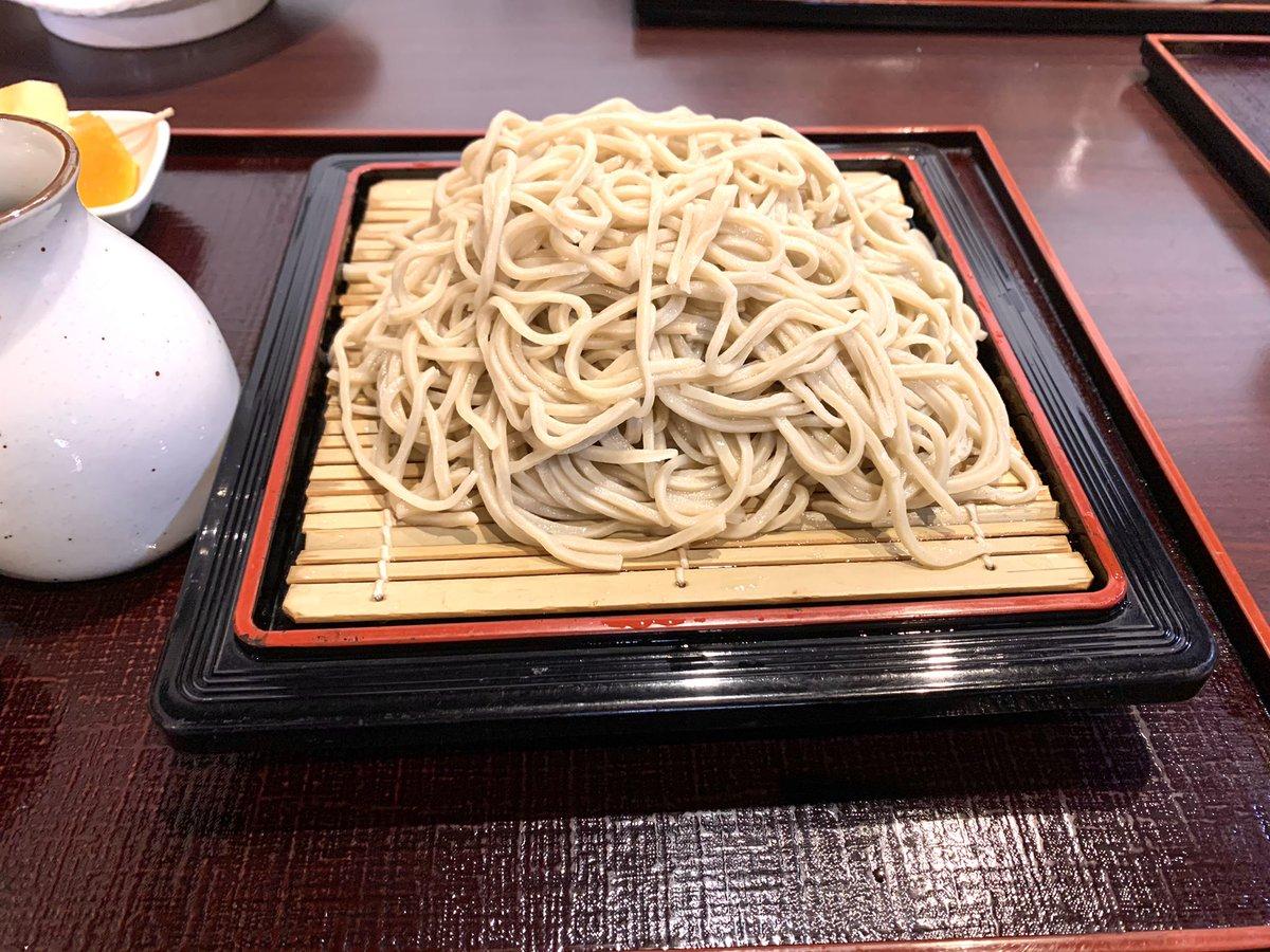 福岡おすすめグルメ そば@ そば処 山崎 糸島ざるそば大盛り 1,400円糸島の古民家で味わう、香り豊かな蕎麦。ミシュラン掲載店。関東風の辛口つゆ、少し辛味のある大根おろしでそばを食べます。#福岡 #蕎麦 #ミシュラン