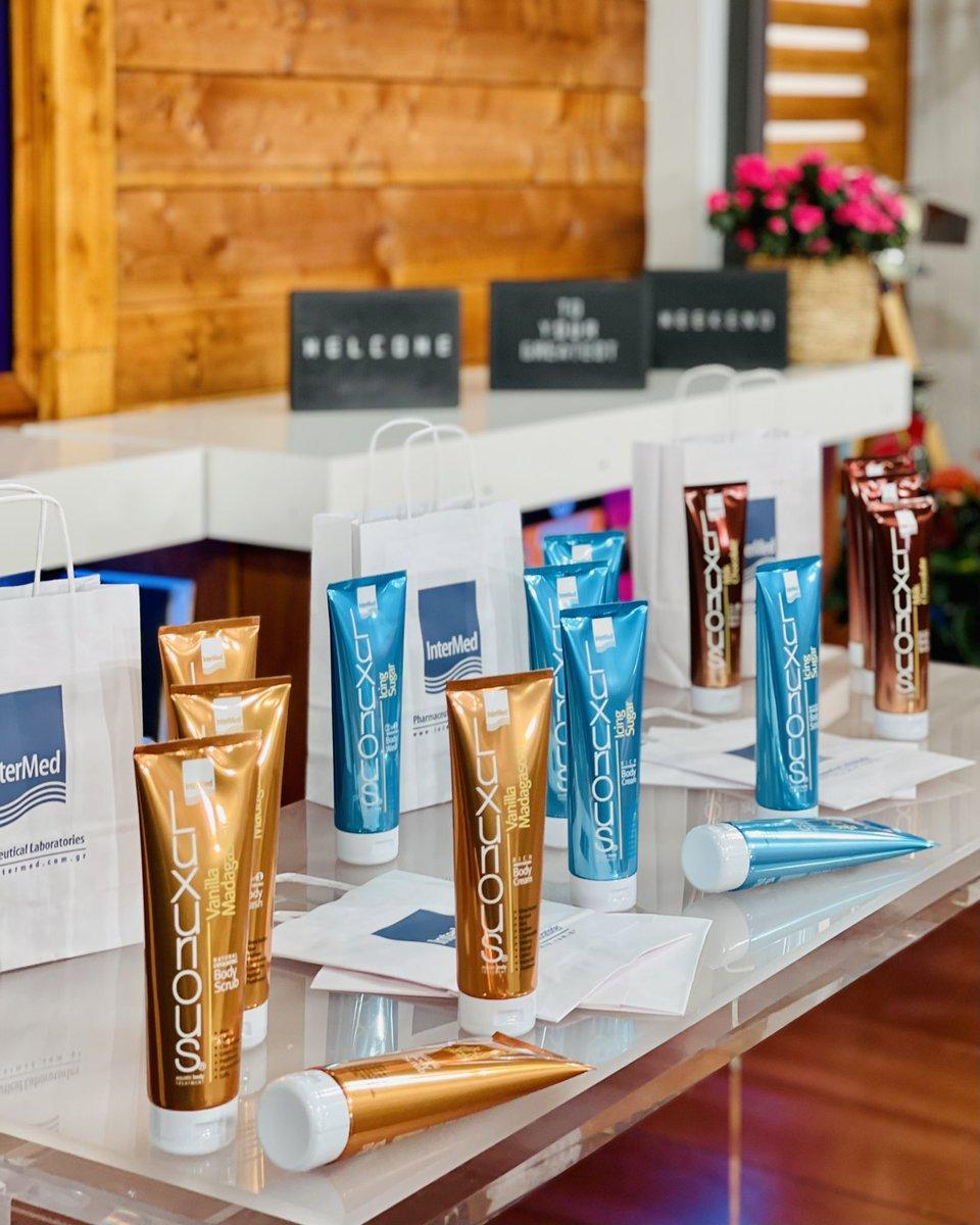 Δώρο! 💜 κάνοντας like, retweet και σχολιάζοντας στη φωτογραφία με το hashtag της εκπομπής #kalytera, μπαίνετε στην κλήρωση και 3 τηλεθεατές κερδίζετε από 3 προϊόντα της σειράς Luxurious Aquatic Body Treatment!